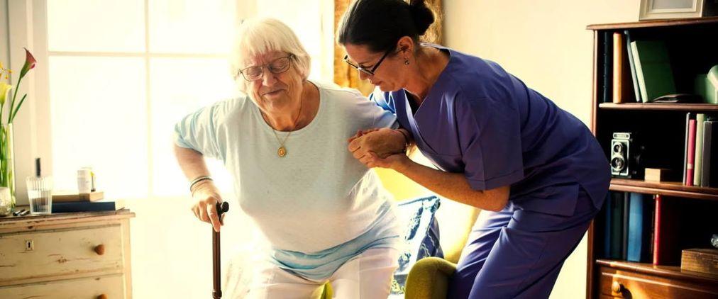 Brückenpflege: Zwischen Krankenhaus und Zuhause