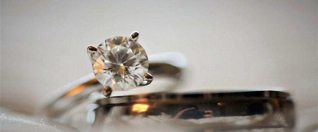 Diamantbestattung - Kosten, Organisation und Ablauf