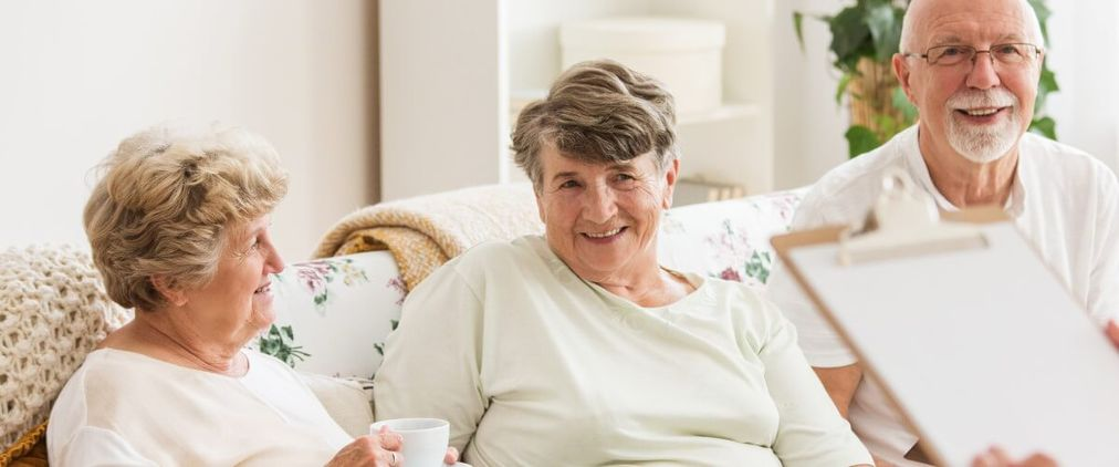 Pflegeheim: Die richtige Einrichtung finden