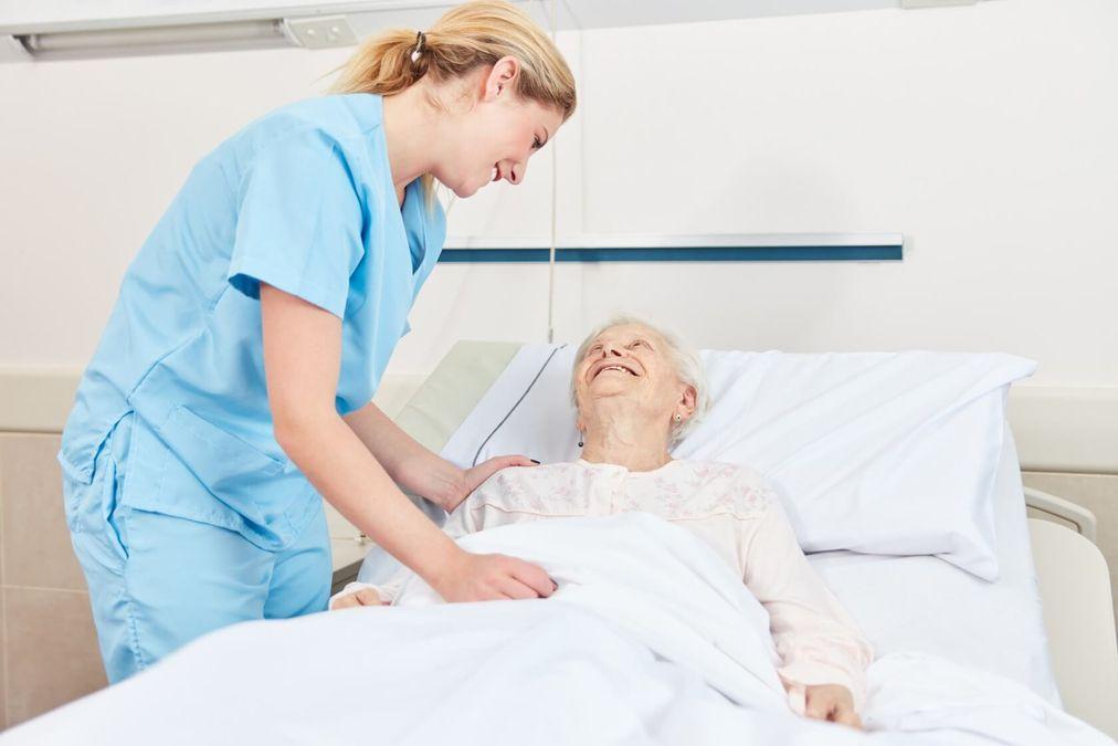 Pflegegrad 4: Voraussetzung, Bedingungen und Leistungen