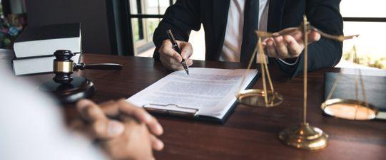 Pflichtteilsstrafklausel: Vorzeitigen Erbanspruch verhindern