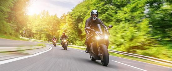 Motorradfahren: Riskanter Freizeitspaß auf zwei Reifen