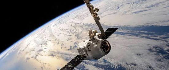 Weltraumbestattung - Kosten, Organisation und Ablauf