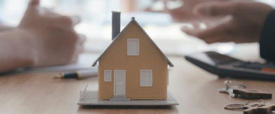 Kann ich mit einer Vorsorgevollmacht ein Haus verkaufen?